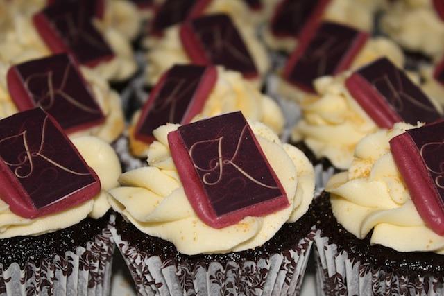 y-kindling-cupcaks-close