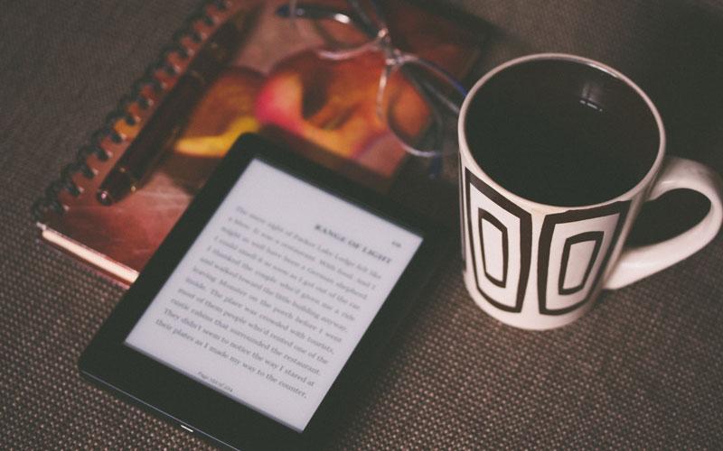 reading-books-tea